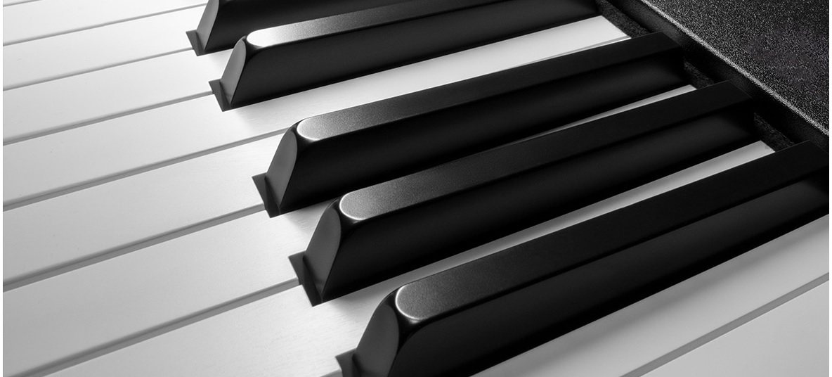 Review on Roland's new fully-weighted 88 key MIDI keyboard, the A-88